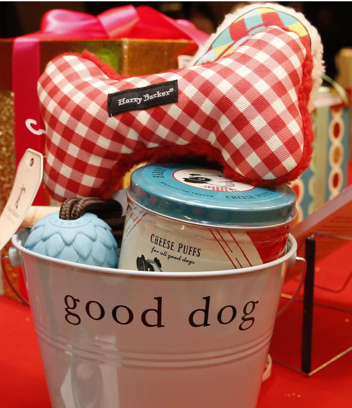 Gift Guide Pet Gifts