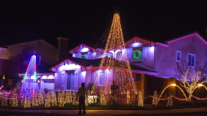 in buellton a community rallies around christmas lights local syvnewscom