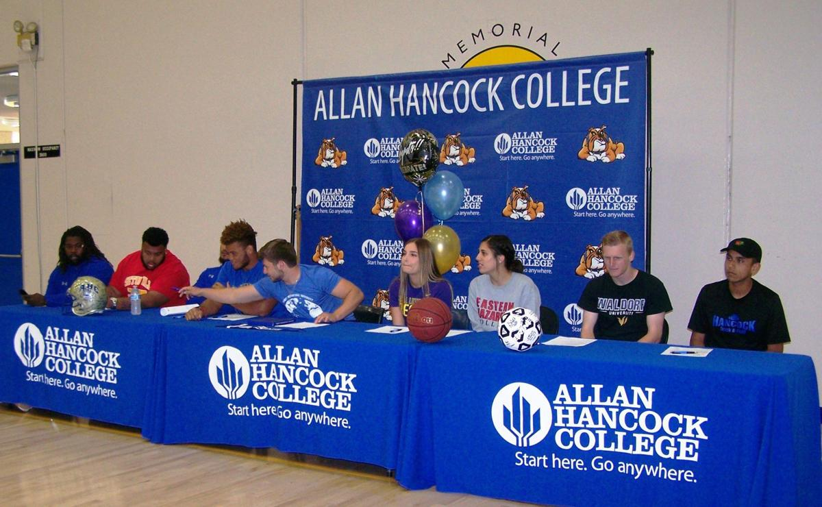 050218 AHC Signing 01a.JPG