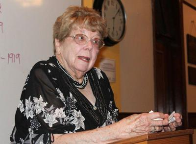 Beloved historian to be honored with statue