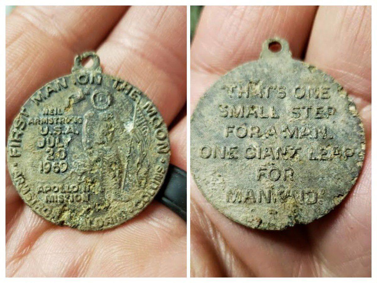 Moon landing medallion