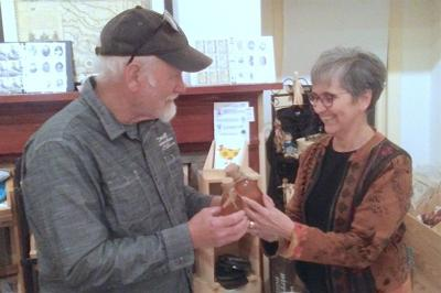 Beekeepers share tips amid Hunter's Home hives