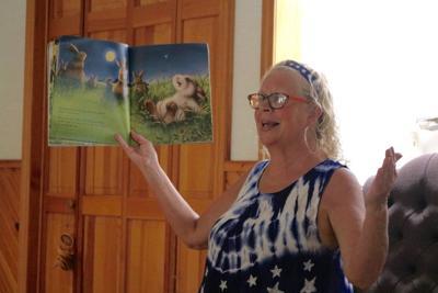 Storyteller shows kids importance of nature, wildlife