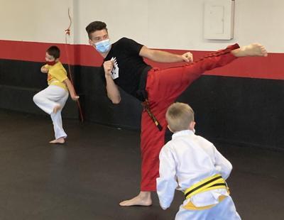 EVERYDAY HEROES: Taekwondo instructor teaches on Zoom, makes house visits