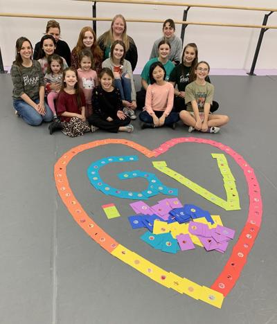 Encore makes valentines for veterans
