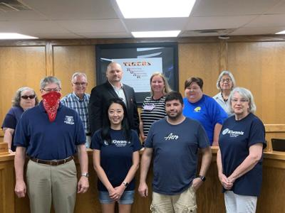 TPS thanks Kiwanis Club for Gold Card support