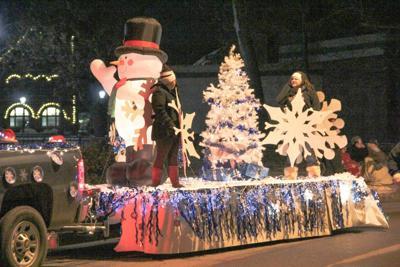 Tahlequah Christmas Parade 2021 Preparations Underway For Annual Christmas Parade News Tahlequahdailypress Com