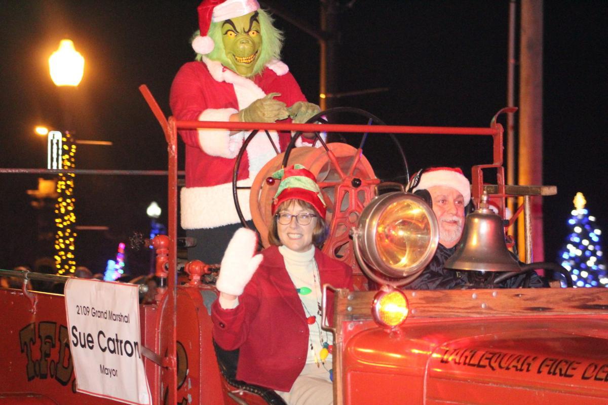 Tahlequah Christmas Parade 2021 Tahlequah Christmas Parade 2019 Gallery Tahlequahdailypress Com