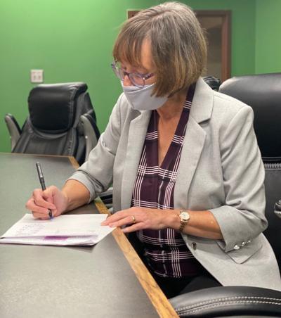 MASK MANDATE: City Council extends mask ordinance, replaces late municipal judge
