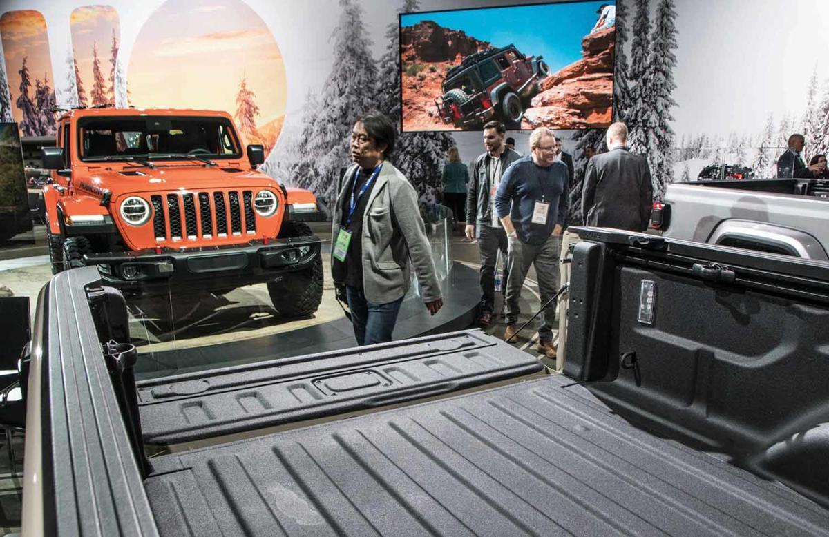1-16 2019 Detroit auto showC_JAG-1.jpg