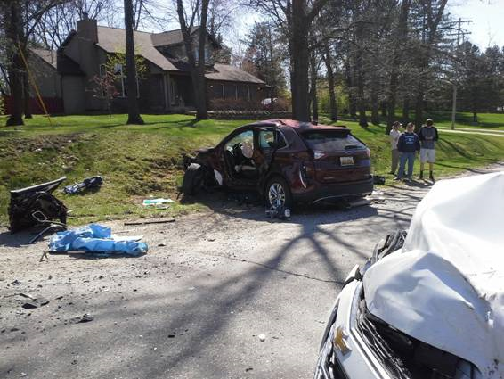 Sunday car crash kills man, injures two others | News for Fenton