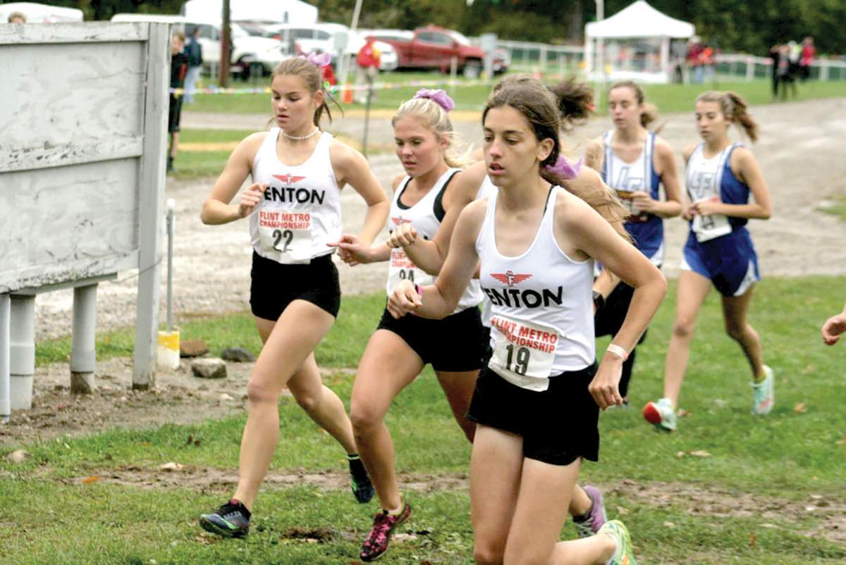 Fenton girls runners.jpg