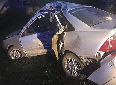 Driver injured after car crashes into tree | News for Fenton