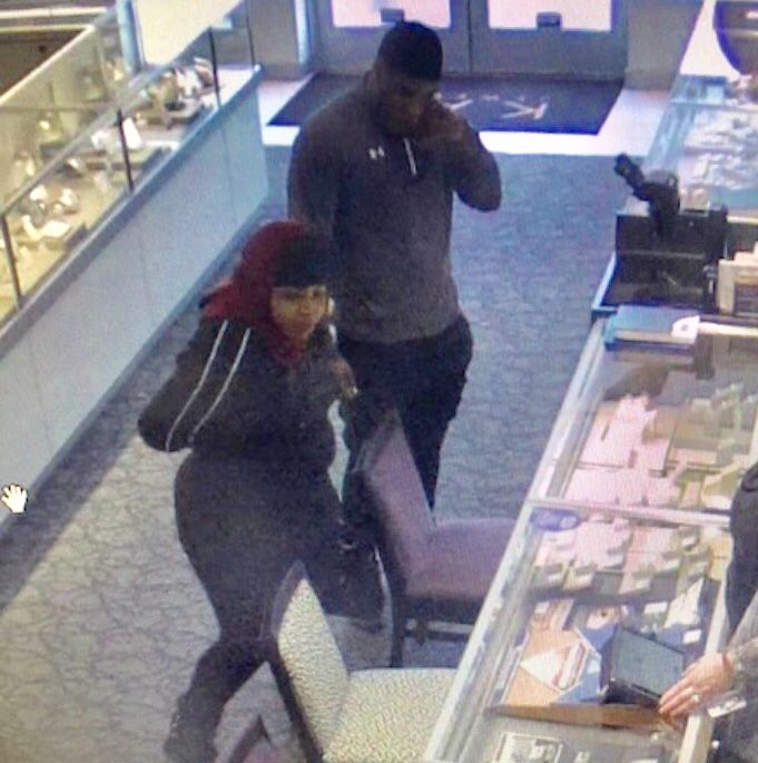 2f6b2b87b Armed robbery at Kay Jewelers | News for Fenton, Linden, Holly MI ...