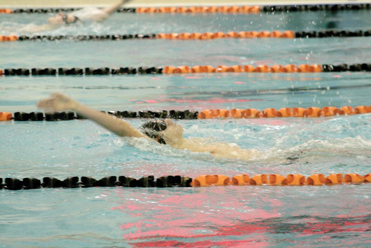 Tristan Bakker backstroke.JPG