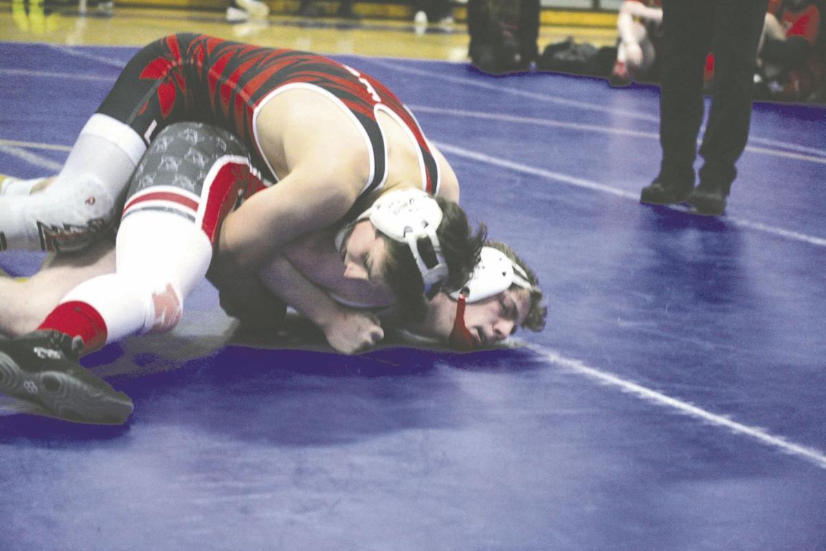Linden wrestling