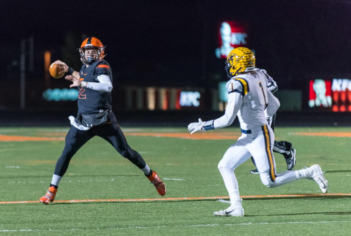FB_Playoffs_SL_Fenton (2 of 139).jpg