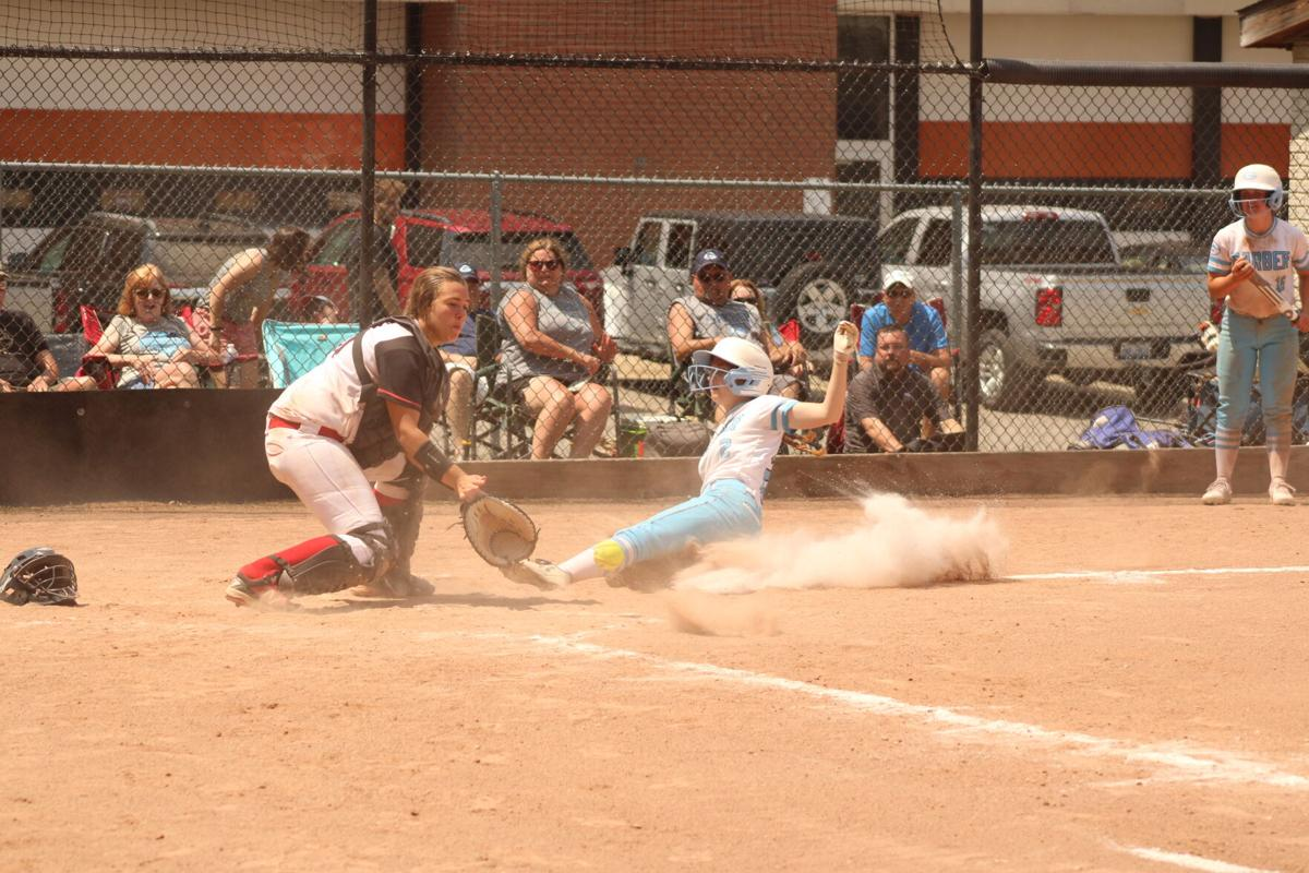 1 - Linden play at plate.JPG