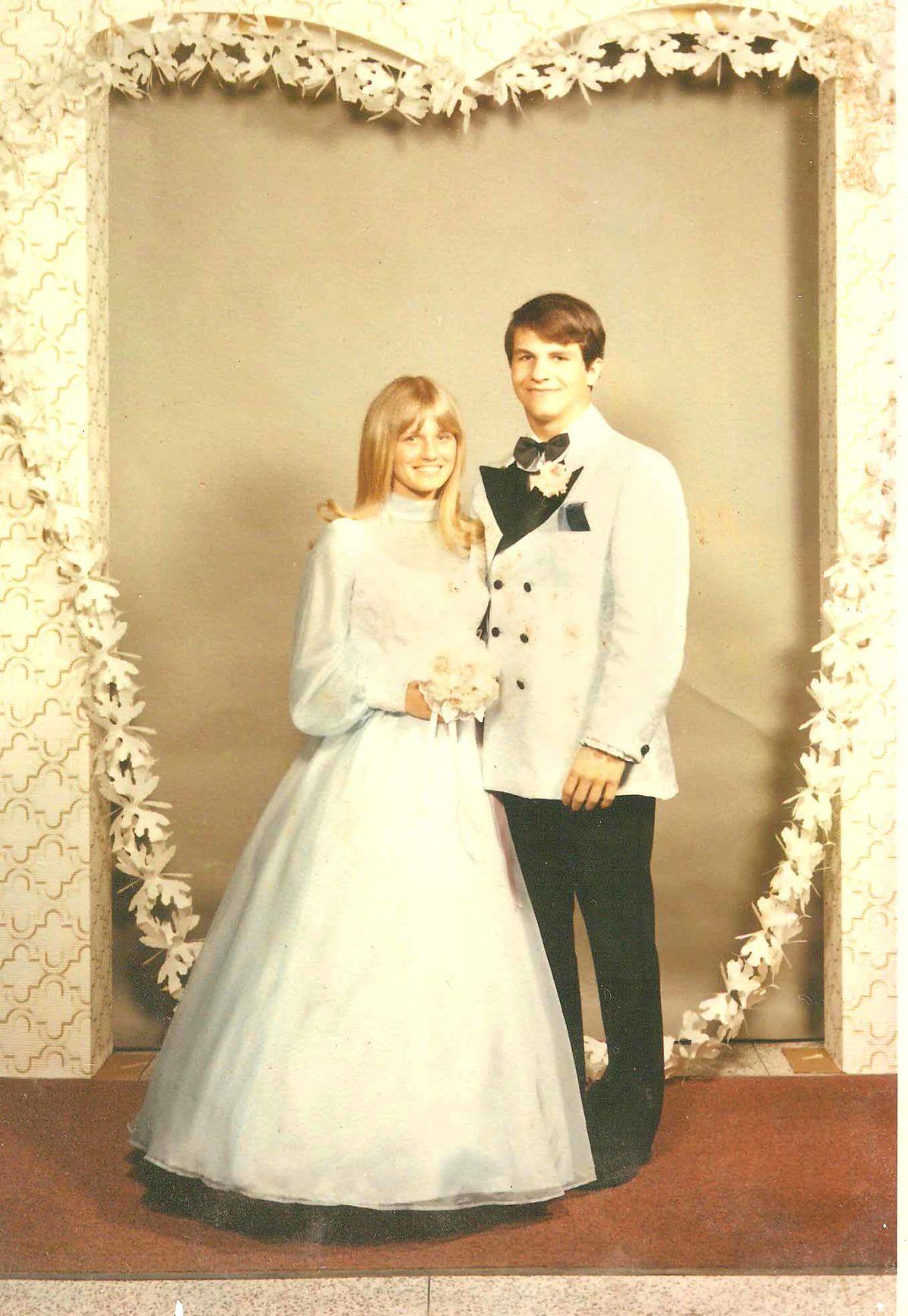 Shelly & Duff prom 1971.jpeg