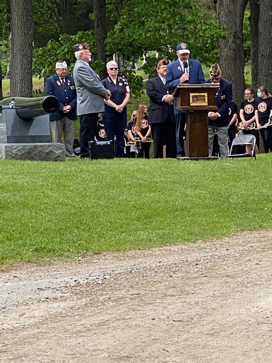Fenton Memorial Day 2.jpg