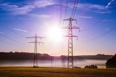 Genphoto_Power lines