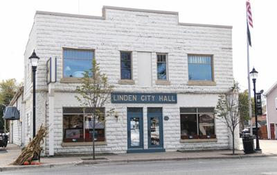 Fall 2018 Linden City HallC_HANNAH-1.jpg