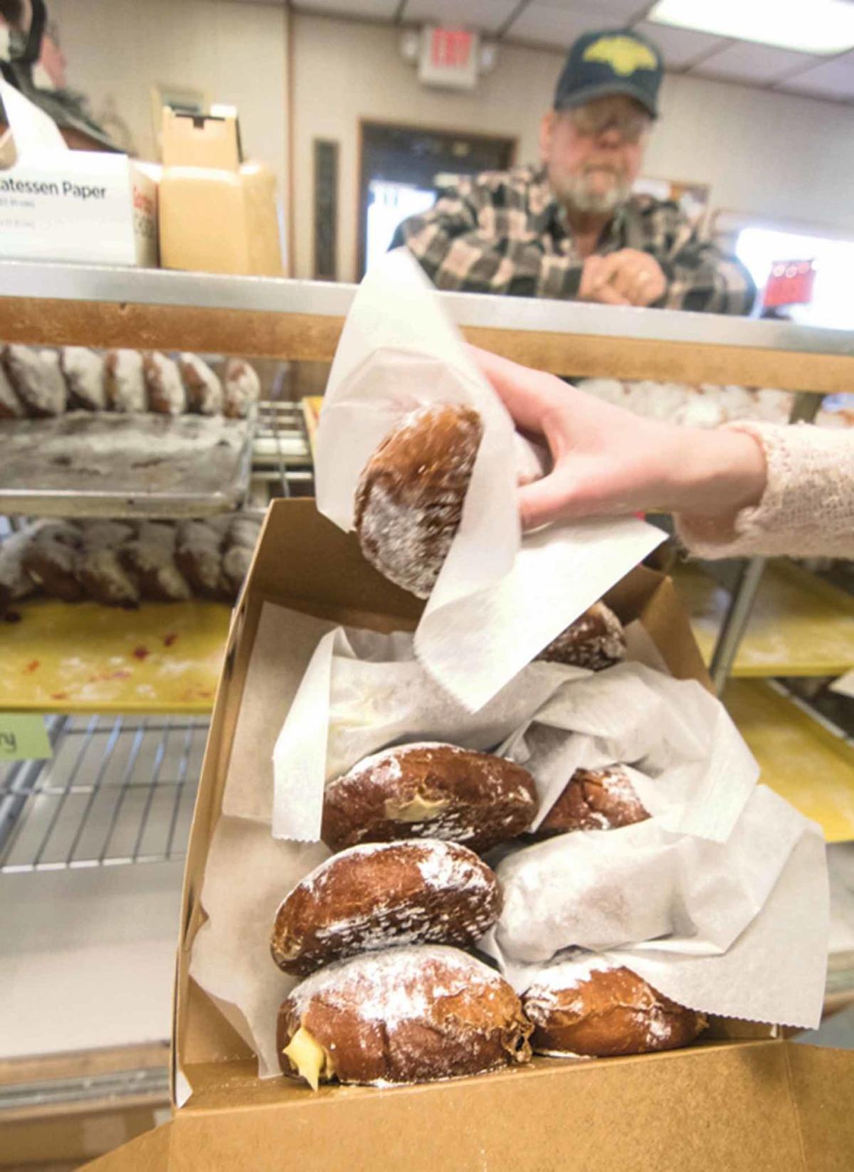 2-26 Paczki sales_Holly Donut ShopC_jag-5.jpg