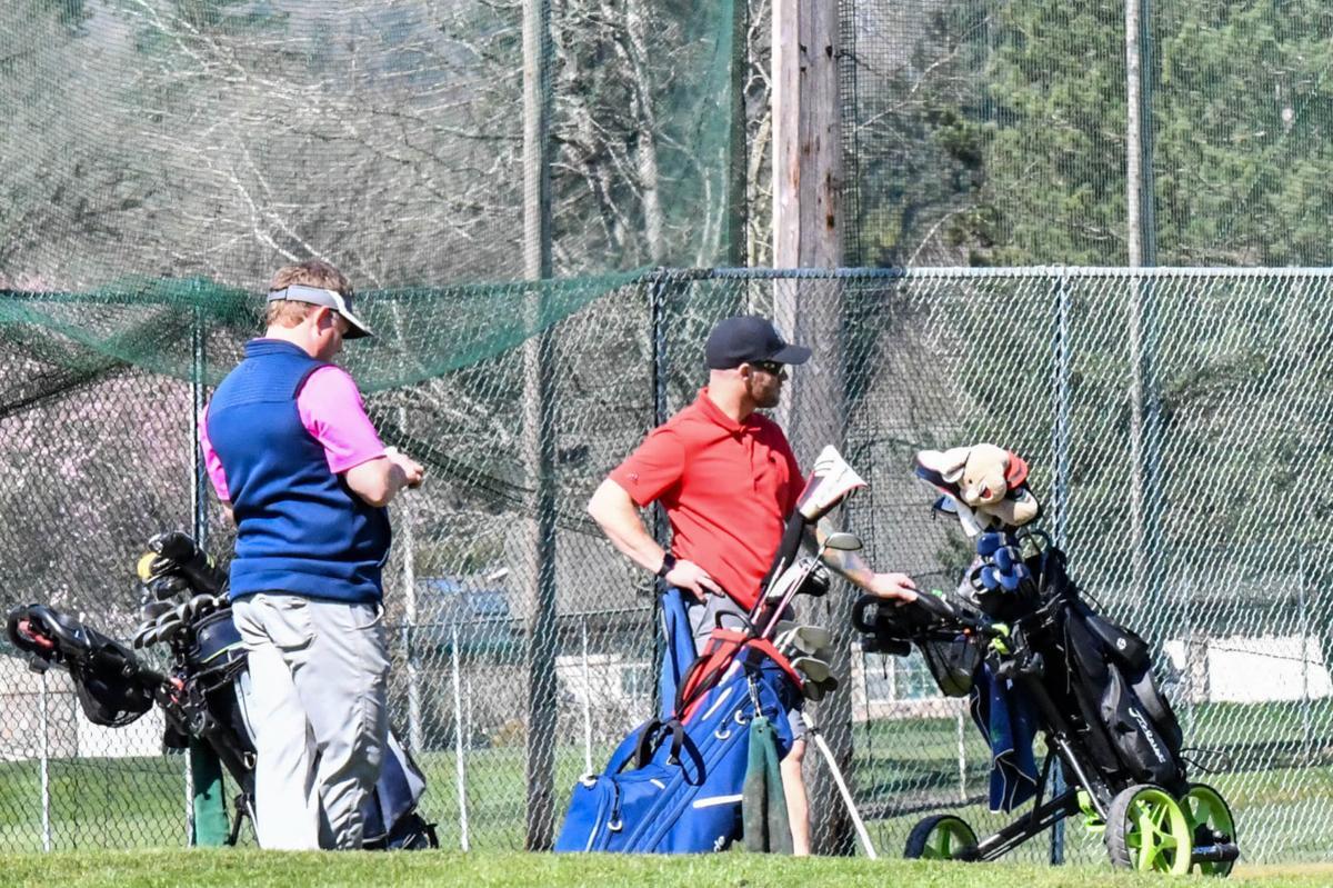 Golfers at Mint