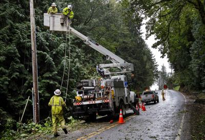 PUD works on Carrolls power outage