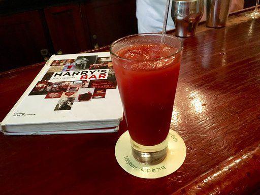 Drinks in Paris 01