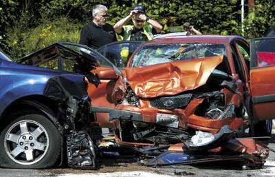 One dead, five injured in three-car wreck on SR 504 | Local