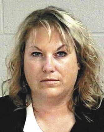 Rainier teachers assistant indicted in sex case