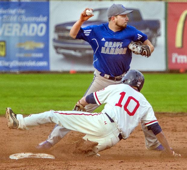 Photos: LCC baseball vs  Grays Harbor, 3 31 14   Sports