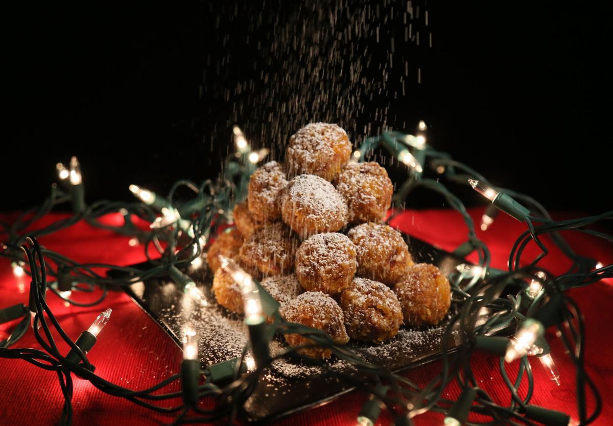 Eat Christmas carols 01