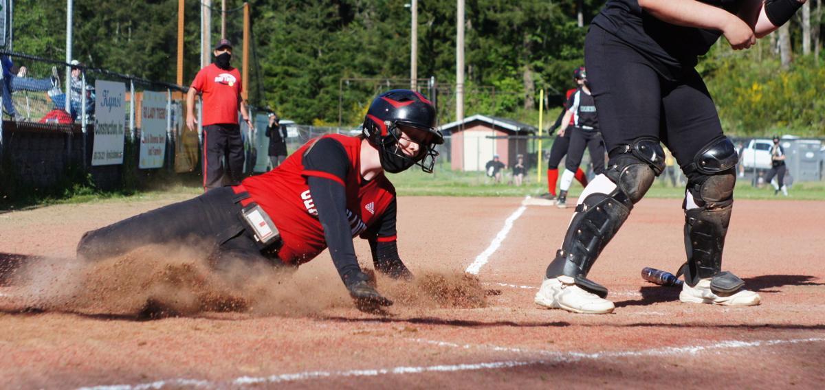 Alexis Smith scores Clatskanie softball