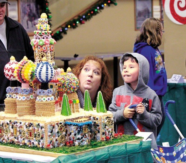 Gingerbread Haus Contest (copy)