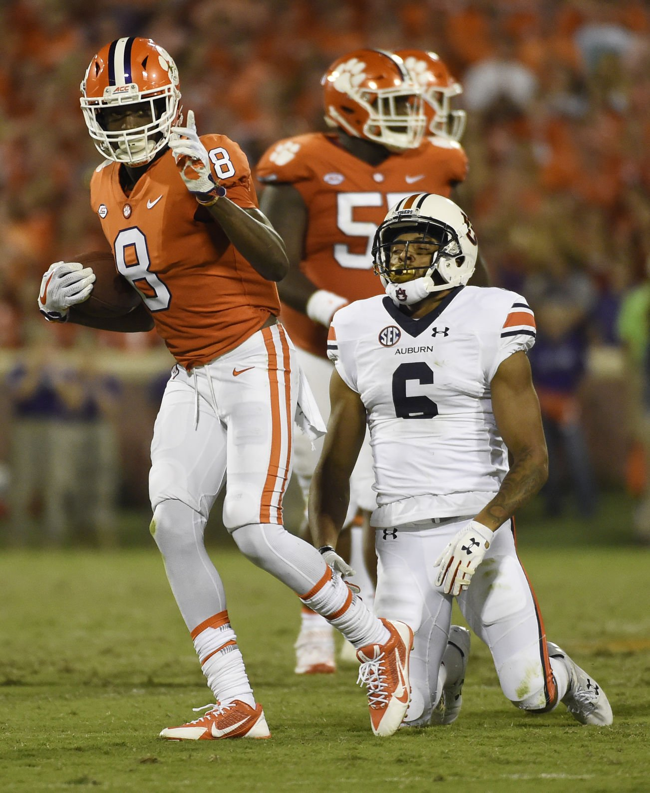 Clemson racks up 11 sacks in 14-6 win over Auburn