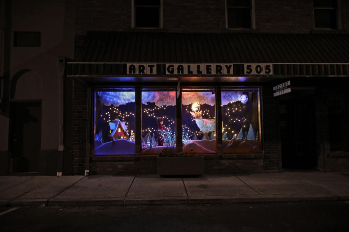 Toledo Gallery Xmas window