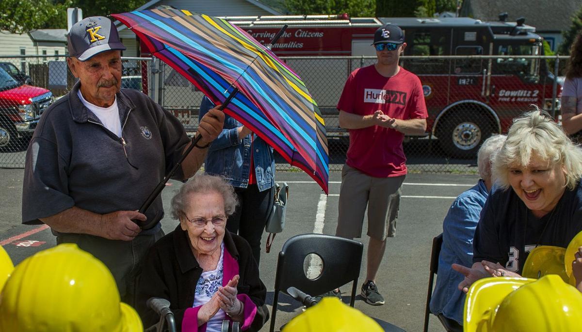 100-year-old Wallace alumni celebrates groundbreaking