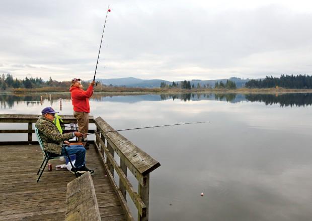 Summer fishing derby set to curb silver lake carp for Silver lake washington fishing