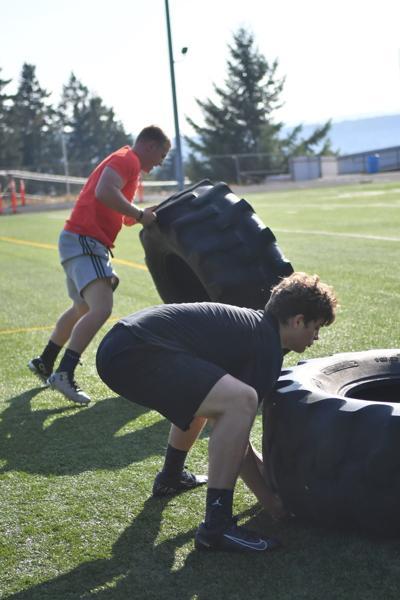 Kalama Chinooks training young team