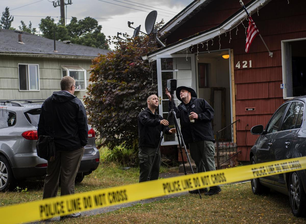 Clark county detectives investigate scene