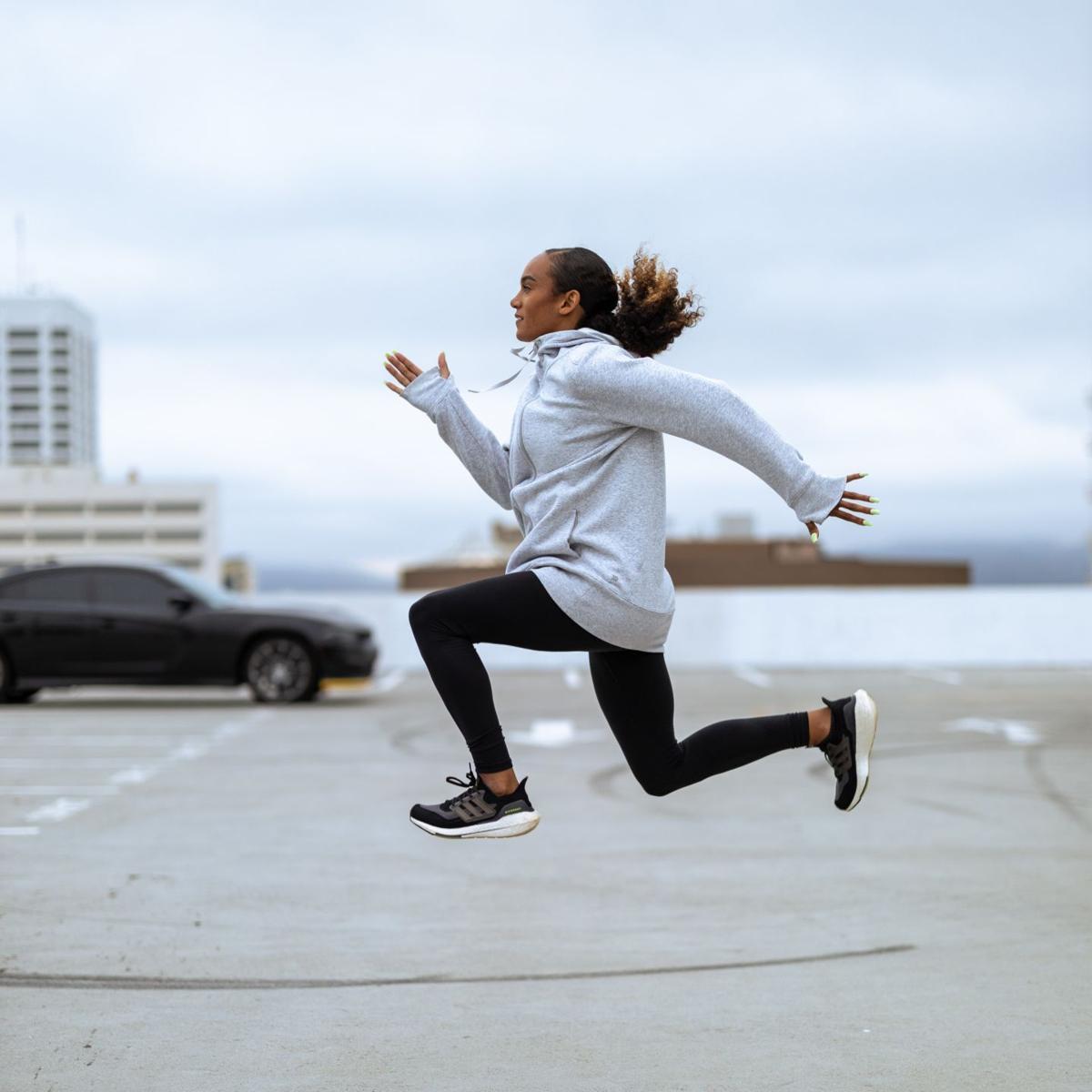 Kiana Davis jump sky