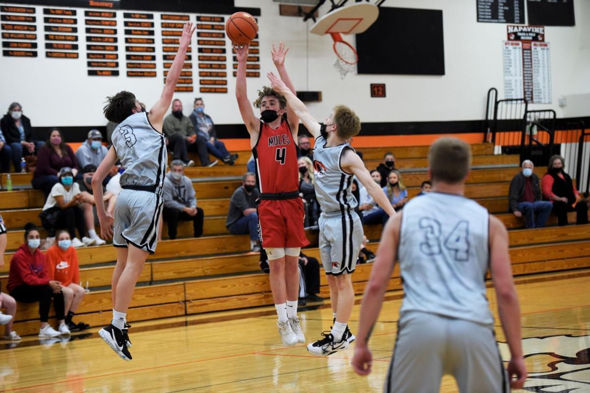 Brody Carlson three point shot Wahkikaum Basketball