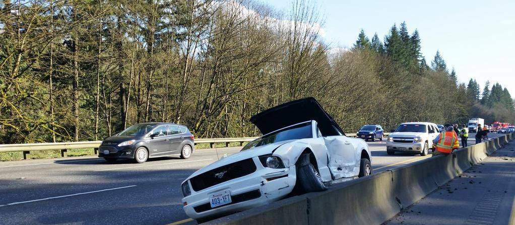 Toledo woman dies in I-5 crash north of Castle Rock | Local | tdn com