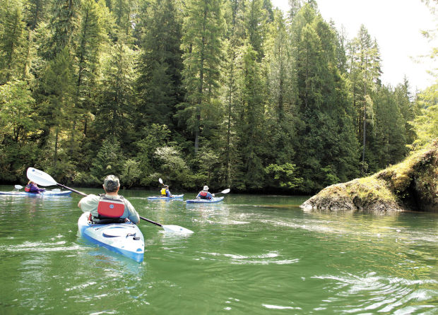 Let Cascade Pack Amp Paddle Guide You To Spectacular Local