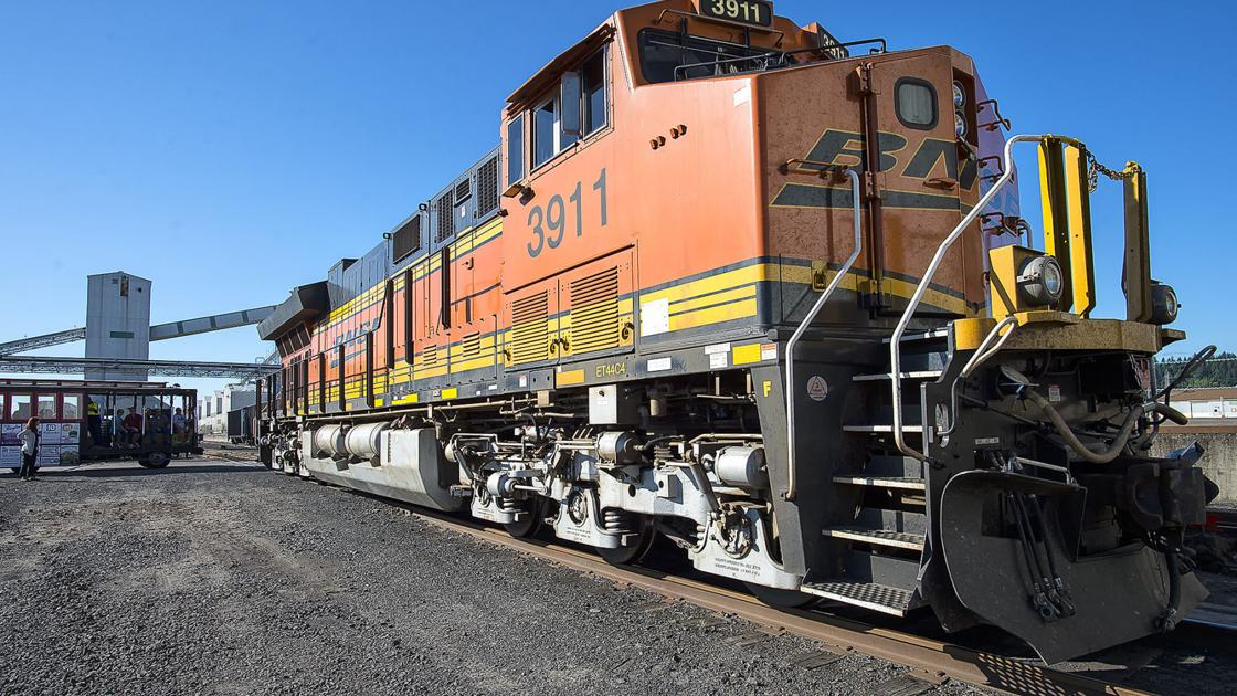Railroad crossing closure to impact Vader, Ryderwood