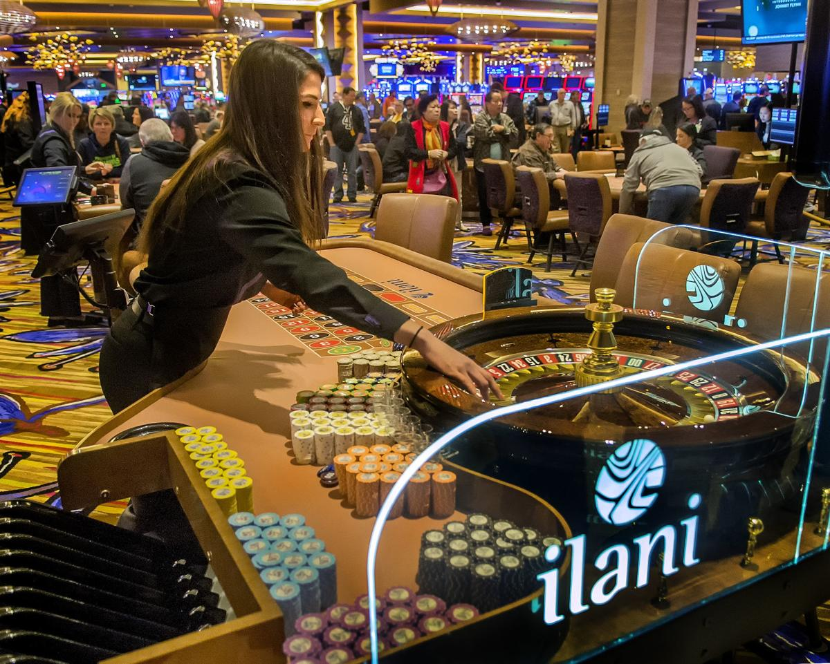 Thousands take to slots, gaming tables at Ilani grand opening   Local    tdn.com