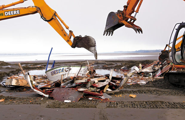 Crew dismantles grounded crab boat near Long Beach   Local   tdn com