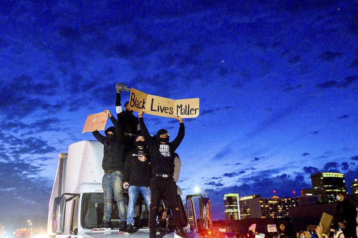 APTOPIX Minneapolis Police Death Oakland Protest